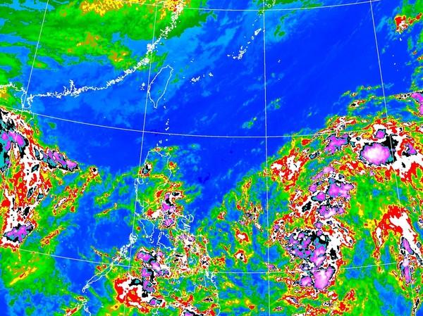 颱風「沙德爾」最快周二生成 東北風雨彈灌整周降雨熱區出爐