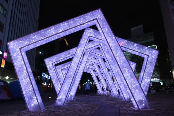 北市耶誕跨7大行政區、時間確定!憂疫情爆發...恐改「線上跨年」 | E