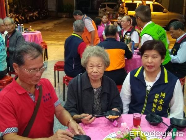 宜蘭同安廟重陽節辦桌!免費供餐5天敬老...93歲嬤樂當志工 | ETt