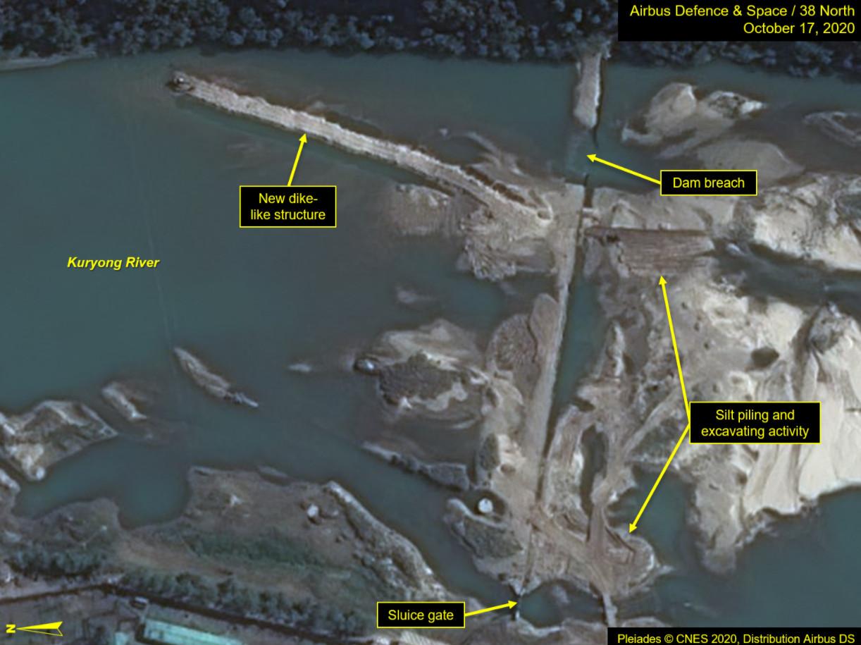 ▲▼北韓開始修補寧邊核設施旁九龍江水壩的破口。(圖/翻攝自北緯38度)