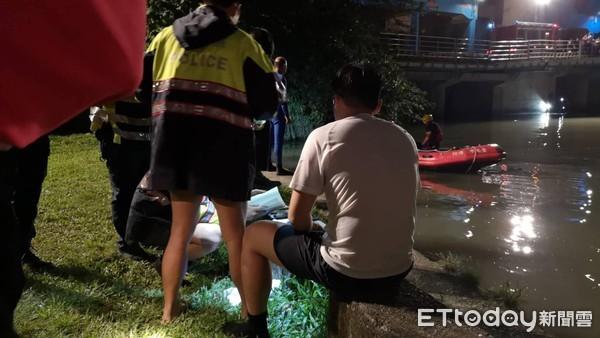 獨/北市BMW駕駛拒檢跳河 狂壓「2警頭部」進水中 沉入河裡失蹤!