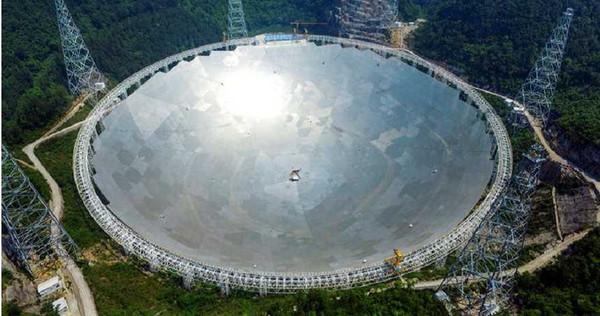 不顧霍金警告 「中國天眼」發現30億光年外神秘信號