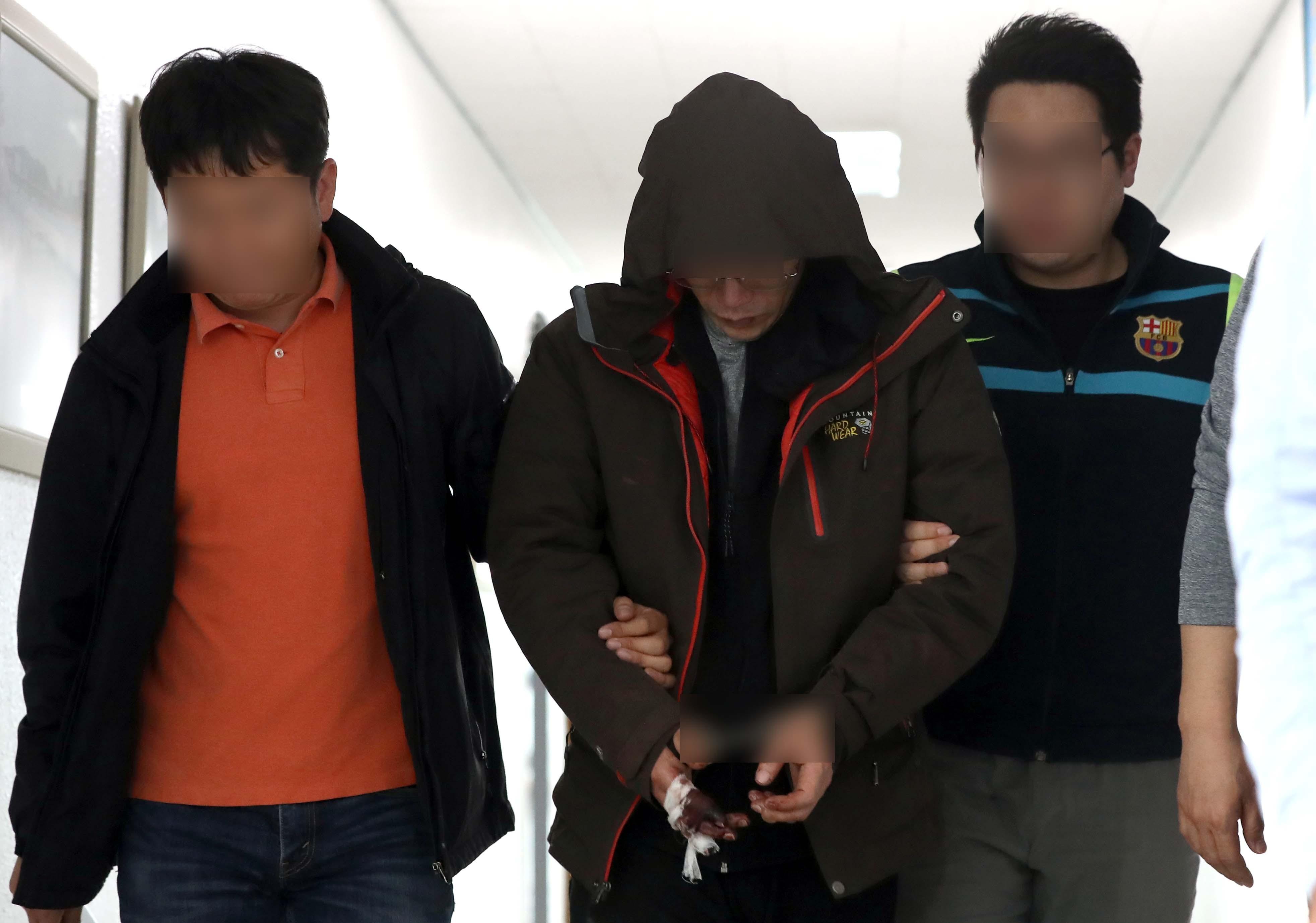 ▲▼南韓晉州市公寓雙刀殺人魔安仁得,終審被判無期徒刑。(圖/達志影像)