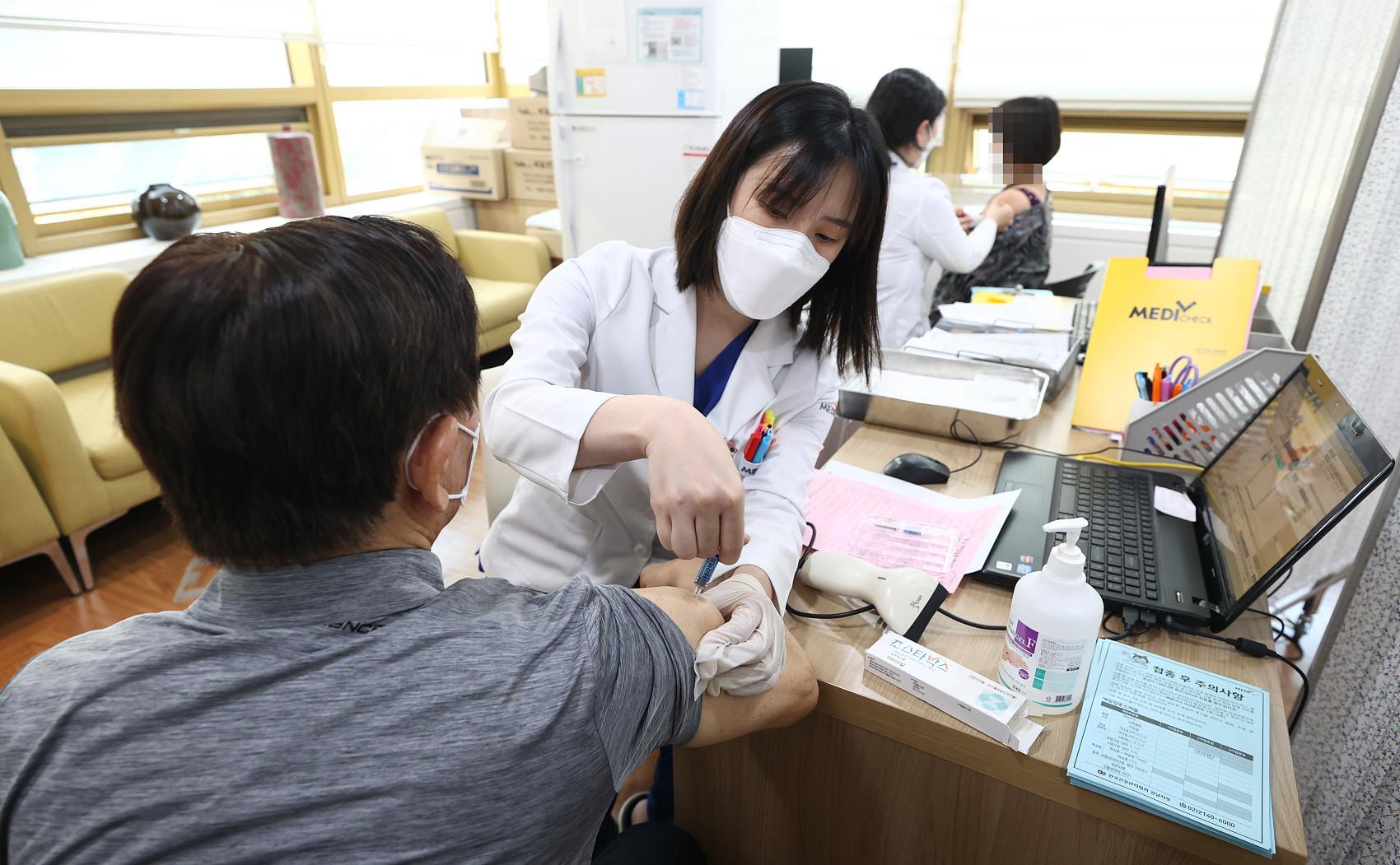 ▲▼據統計,南韓今年接種流感疫苗後而死亡的人數累計72例。(圖/CFP)