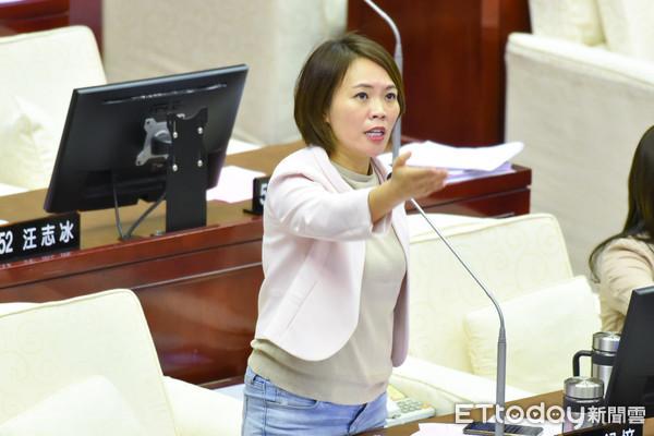 [新聞] 簡舒培:國民黨犯錯、浪費食物被罵 反過