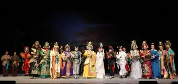 明華園年度大戲《鯤鯓平卷》移師台中歌劇院 只演兩場票全賣光 | ETto