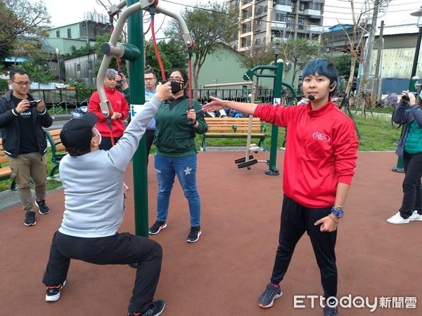 新北景觀處推「長者工作坊」 相揪阿公阿嬤公園運動健康又安心 | ETto