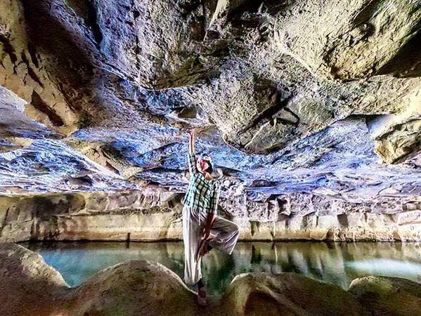 台版魔戒洞窟!宜蘭冬山河爆紅仙境 絕美天使光灑入超浪漫