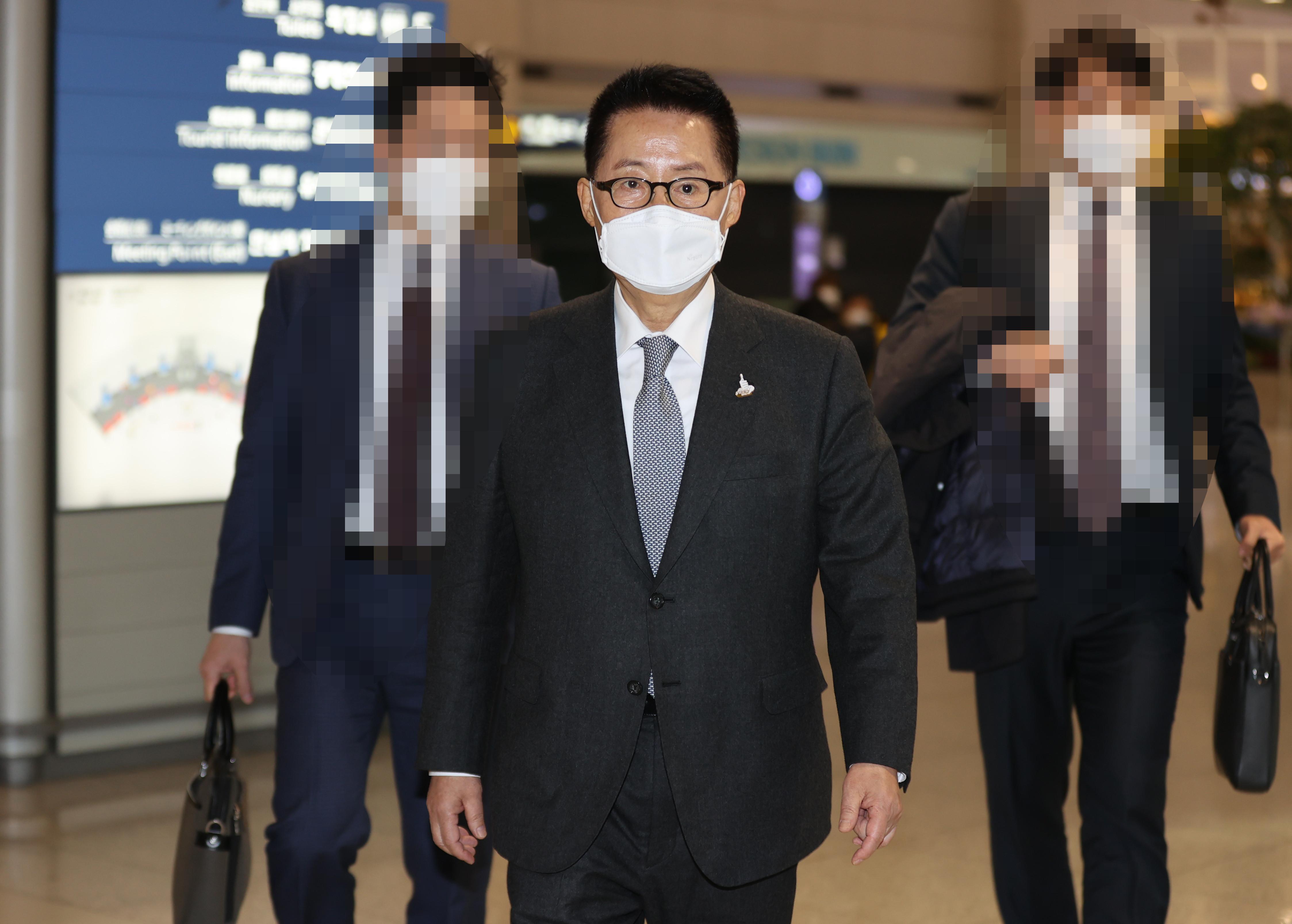 ▲▼南韓國家情報院長朴智元結束出訪日本行程,返抵南韓仁川國際機場。(圖/達志影像)