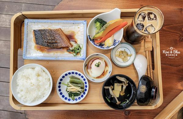 日式咖啡館裡吃定食!醬燒青魽肉嫩鮮甜、抹茶蛋糕軟綿不膩 | ETtoda