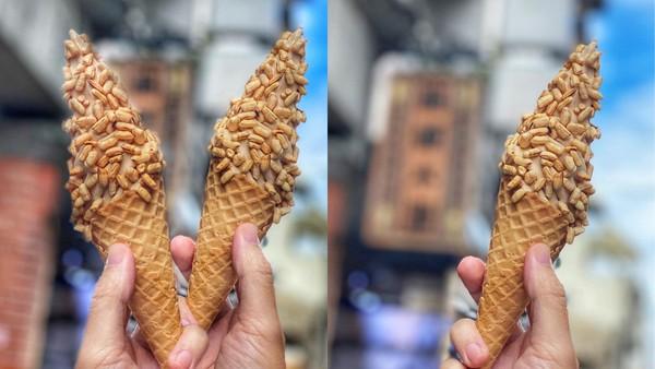 一口直接回到童年!桃園懷舊「爆米香霜淇淋」 灑了滿滿酥脆米香 | ETt