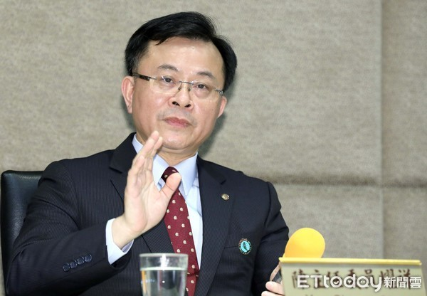 NCC否認「總統府要求主委陳耀祥指定華視新聞台取代中天」 | ETtod