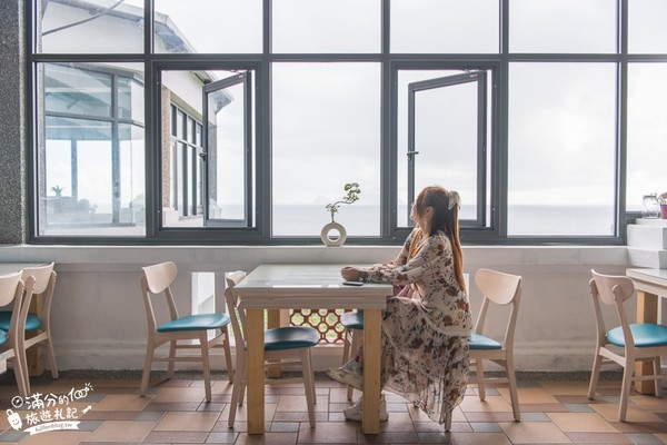 漂浮海上超夢幻!宜蘭最新玻璃屋 喝咖啡遠眺龜山島太Chill | ETt