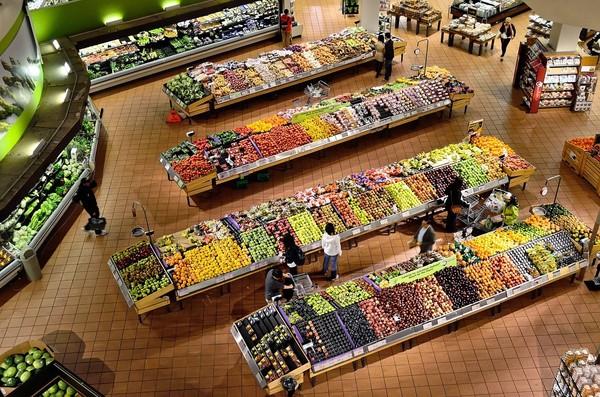 量販店蔬菜新鮮嗎?每日進貨時間曝...專家「2技巧」挑香菇、瓜類 | E