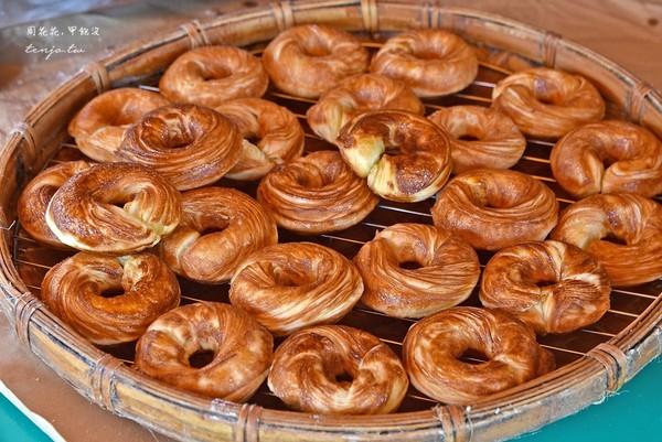 阿里山排隊必吃!百年檜木甜甜圈 皮酥、咬下炸出滿滿麵粉香