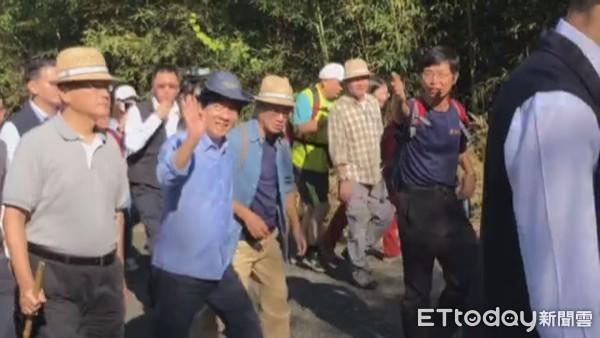 賴清德健走「苗栗樟之細路老官道」 秋鬥遊行低調不回應