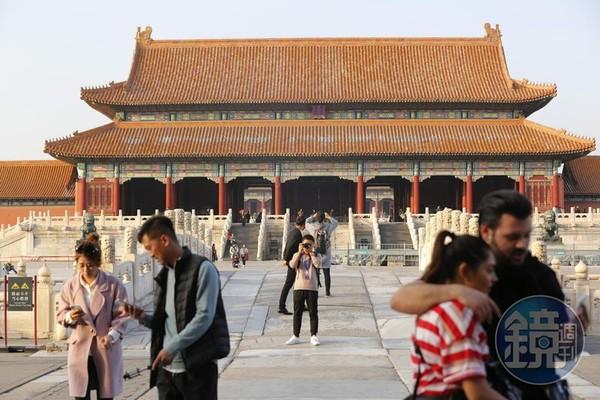 北京最低月薪不到10K 陸網友一看嚇瘋:這能活下去嗎