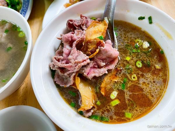 點牛肉湯就送魯肉飯!台南超狂秒殺早餐 嚴選溫體牛必沾自製辣醬 | ETt
