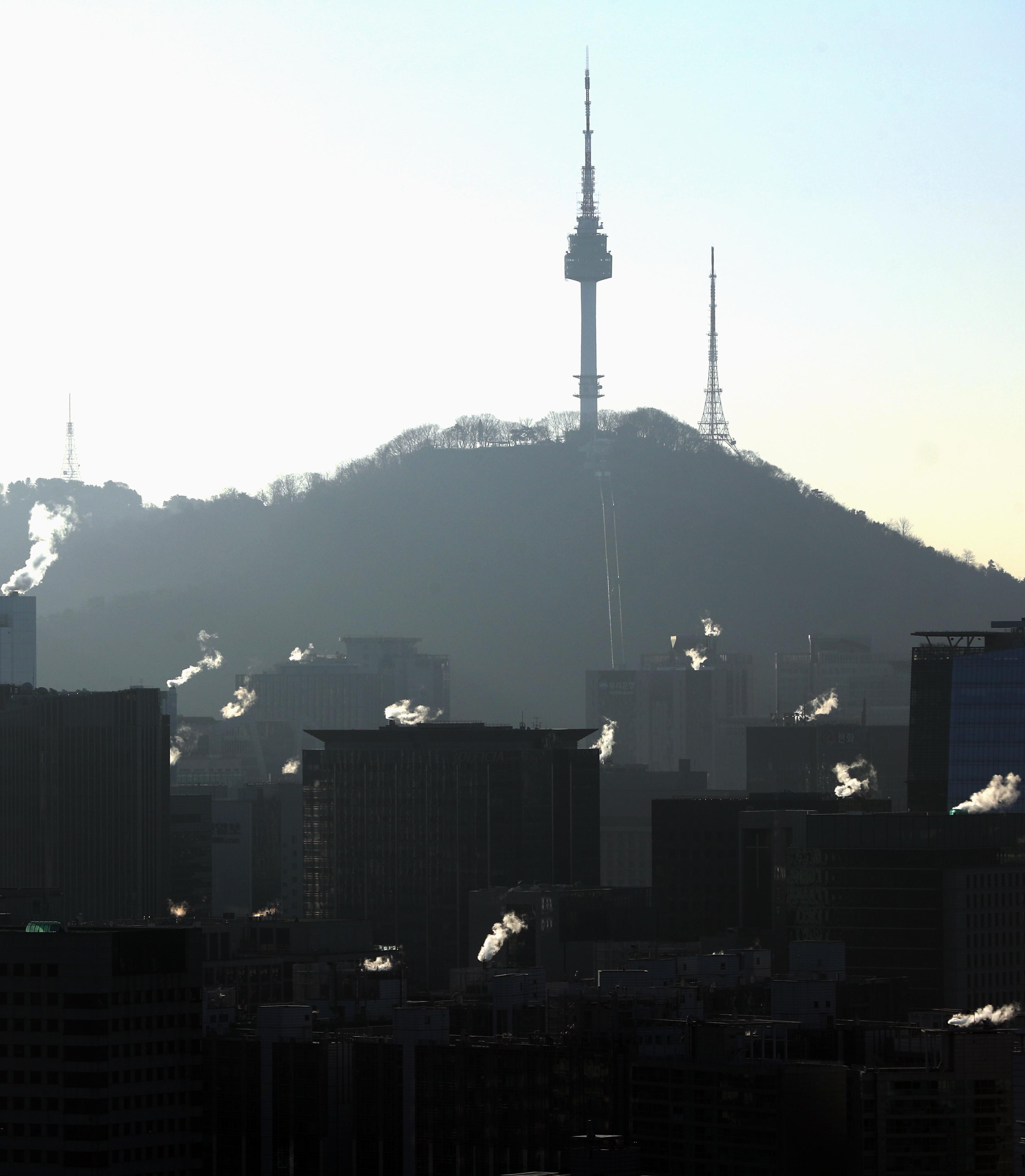 ▲▼首爾氣溫降低,預估將進入新冠病毒傳播高峰期。(圖/達志影像)