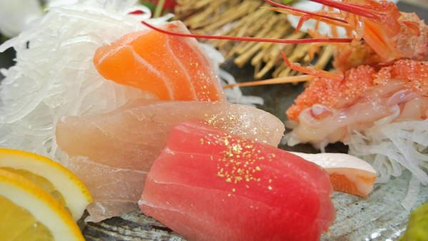 瑞芳美食爆發!金瓜石限定「金箔生魚片」吸睛 百大名攤勾味蕾 | ETto