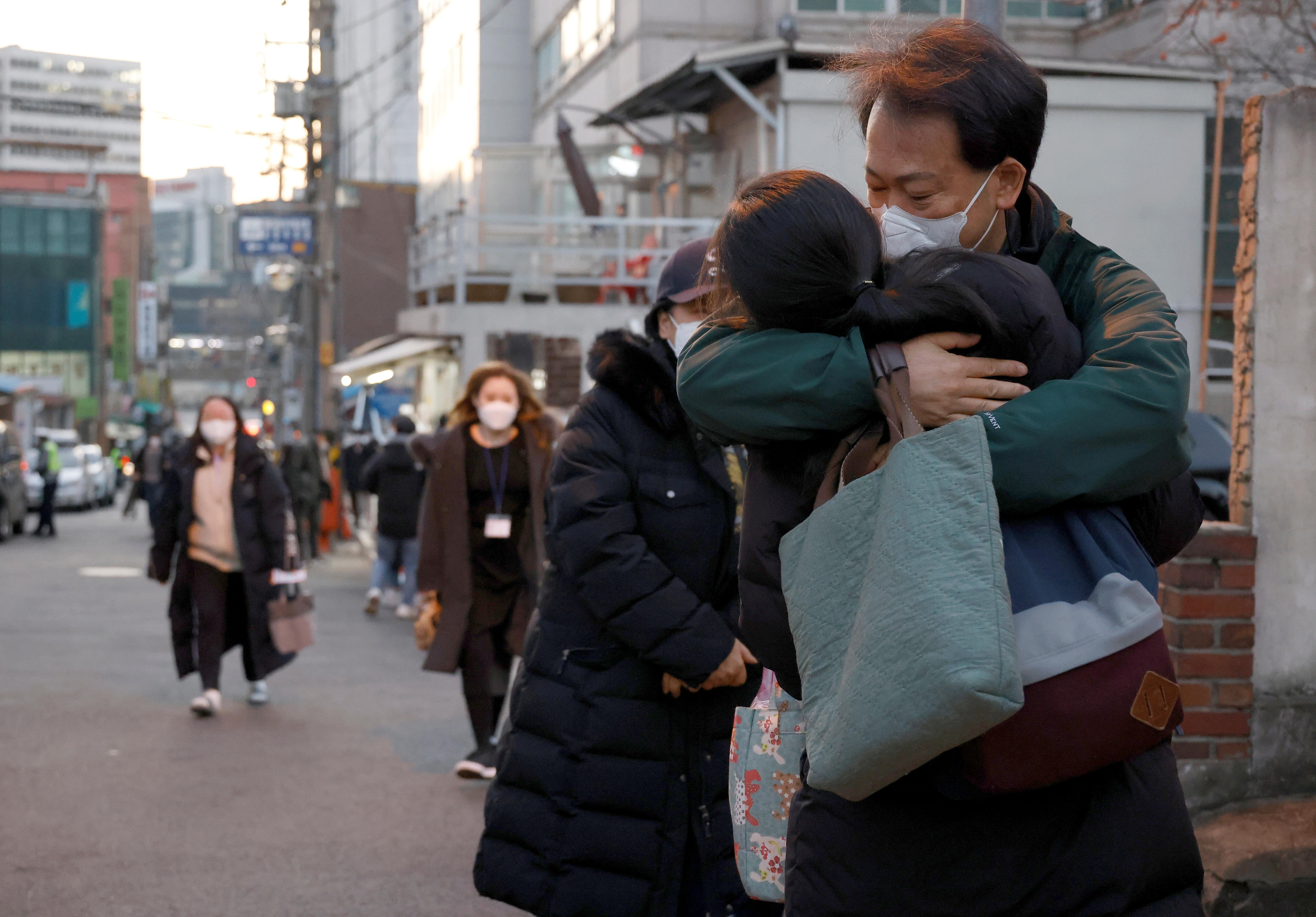 ▲▼南韓本屆高三考生得在嚴峻疫情下,為自己的未來奮鬥。(圖/路透社)