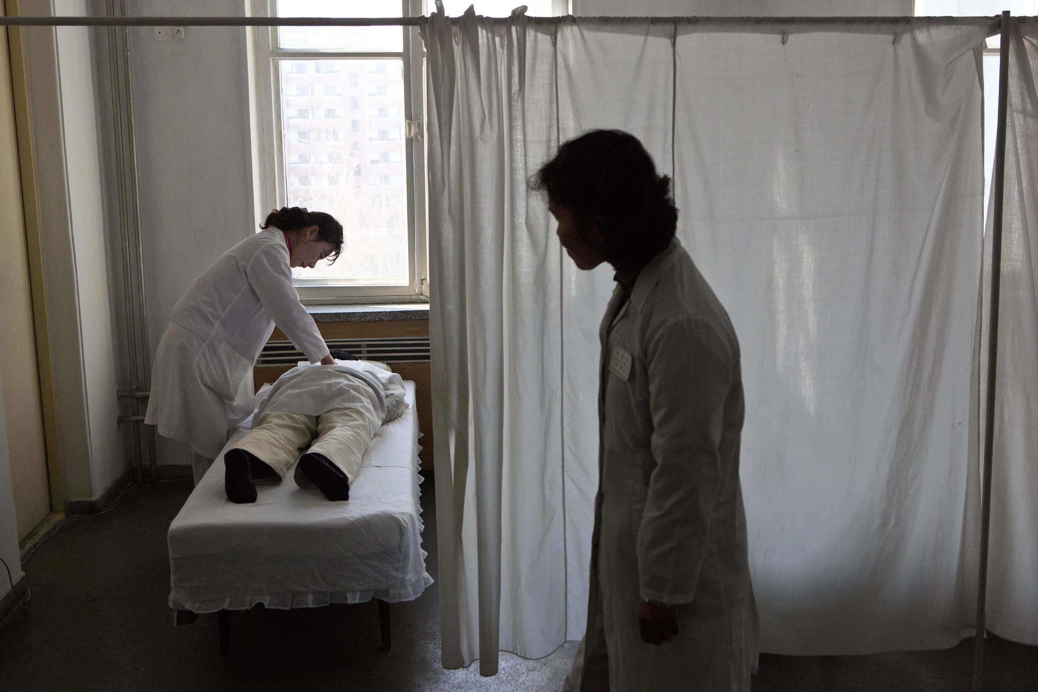 ▲▼北韓醫療設施與基礎建設嚴重缺乏,因此極度恐懼傳染病侵襲。(圖/達志影像/美聯社)