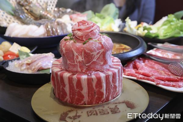 ▲▼1204 肉多多火鍋聖誕大餐。(圖/記者黃克翔攝)