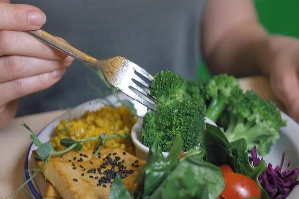 為什麼吃素還會中風? 醫師曝常犯的飲食地雷 | ETtoday探索 |
