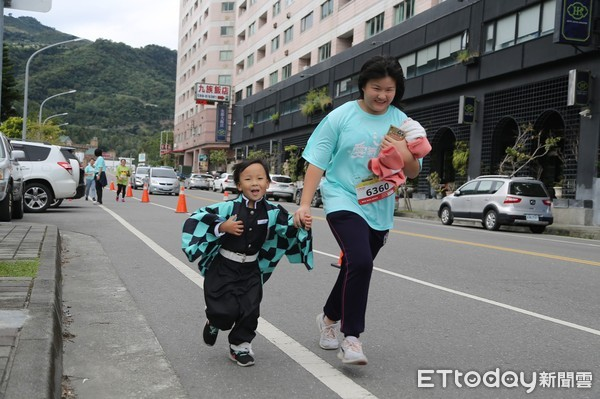 寒風中見熱血!知本溫泉公益馬拉松 1200跑友捐善款助弱勢童 | ETt