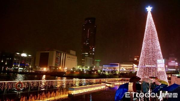 台灣頭基隆十二月港邊限定 17米高聖誕樹6日耀眼點亮