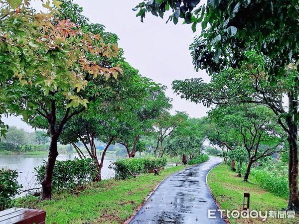 礁溪玩樂新景點!「三民濕地公園」啟用 環狀自行車道看山水風光 | ETt