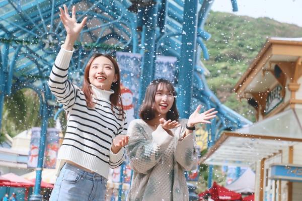 飄雪景點再+1!遠雄海洋公園「純白聖誕季」 老公公還要潛水餵魚 | ET