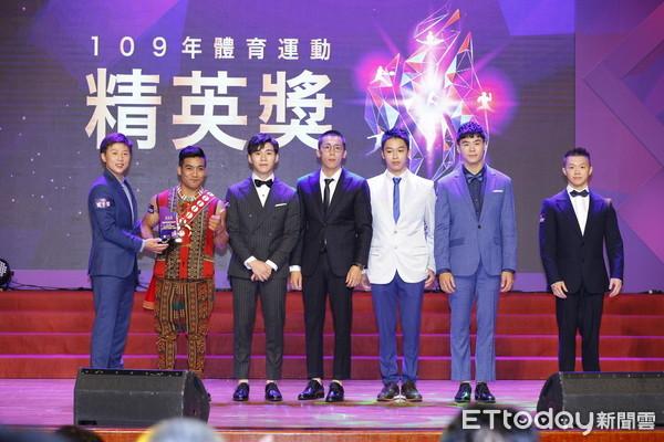 精英獎/中華體操獲最佳運動團隊 髮型、服裝超有亮點