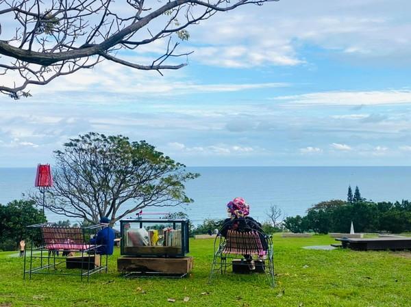 台東最新療癒系風景!「海上書房」180度看海、迎新年第一道曙光