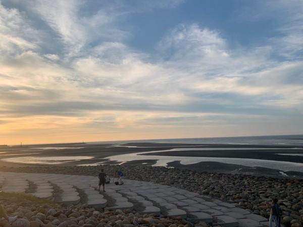 全新2樓高滑梯!新竹親子秘境 漫步「魚鱗天梯」秒飛阿根廷大鹽灘 | ET