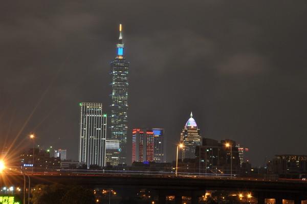 遠離一級戰區空曠地!「台北101煙火、飛機呼嘯」私房地曝 | ETtod