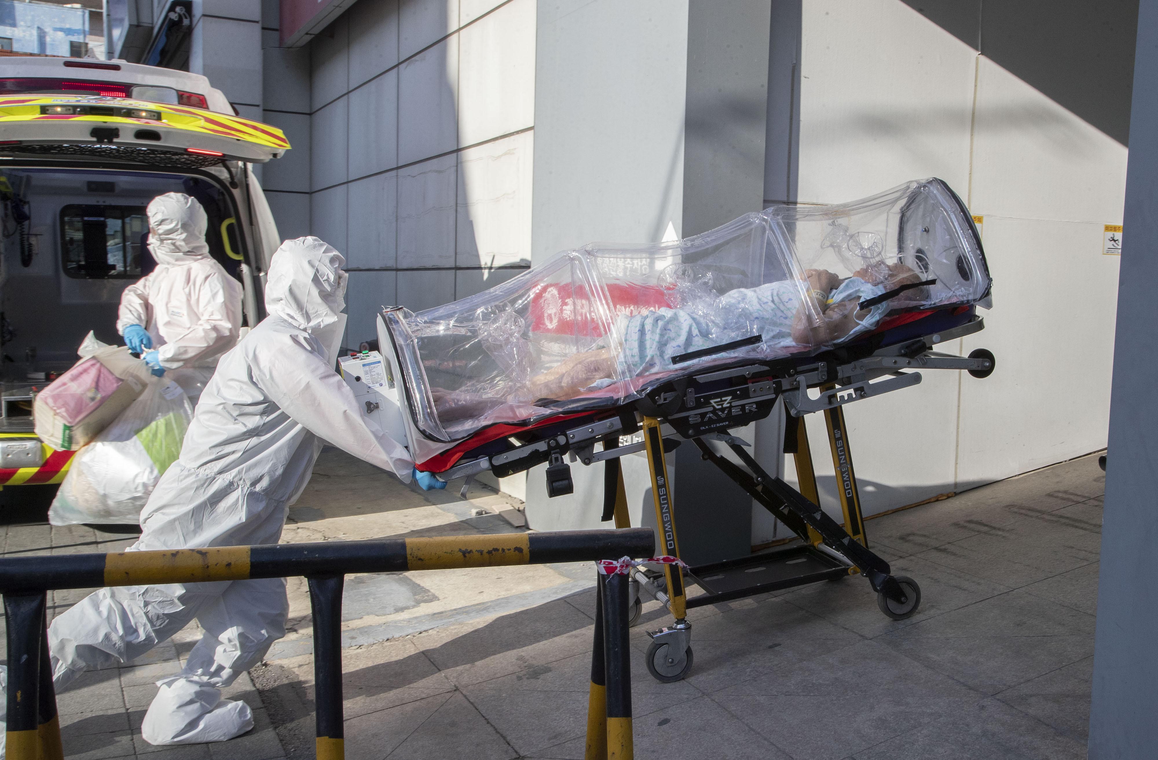 ▲▼療養院確診病患等不到分配病床,便撒手人寰。(圖/達志影像)
