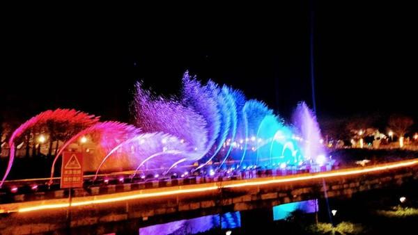 ▲▼慈湖水舞秀。(圖/桃園市政府觀光旅遊局提供)