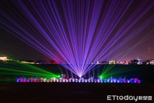 過年必去全台6大燈會!港口水岸化身月之博物館 400無人機夜空展演