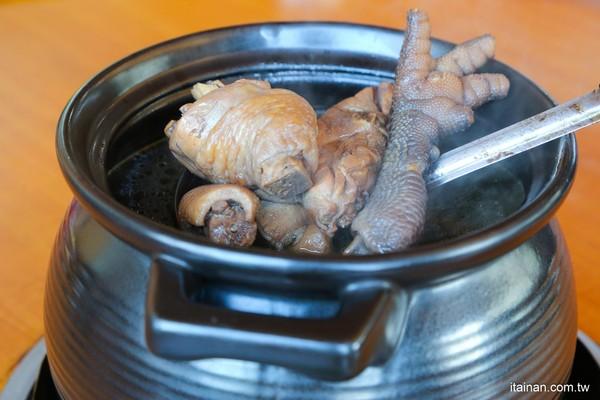 沒預訂吃不到!台南隱藏版美食 必喝湯濃肉Q茄苳莿仔雞 | ETtoday