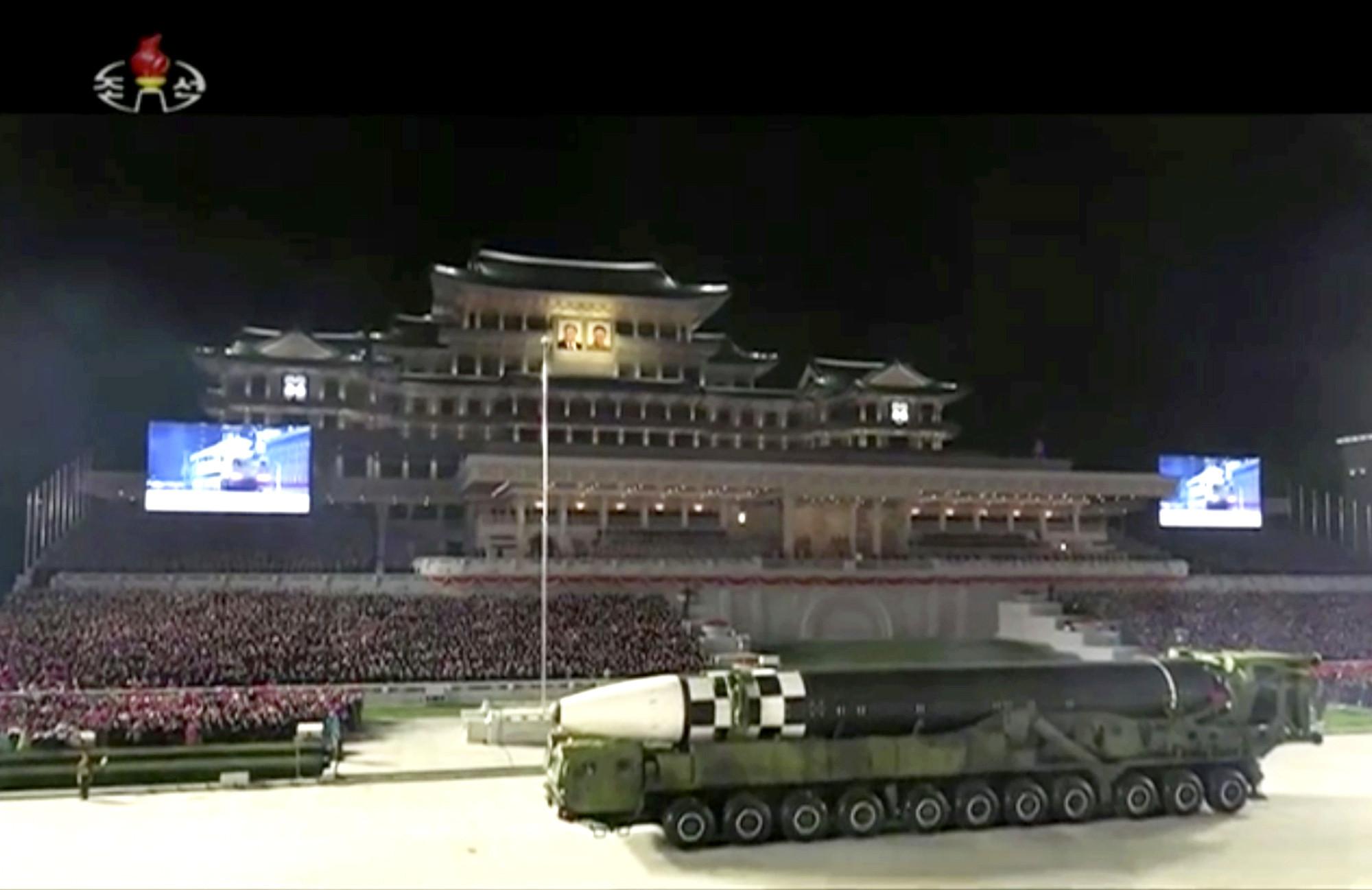 ▲▼北韓修訂勞動黨黨章,強調將大力擴展國防武力。(圖/達志影像/美聯社)