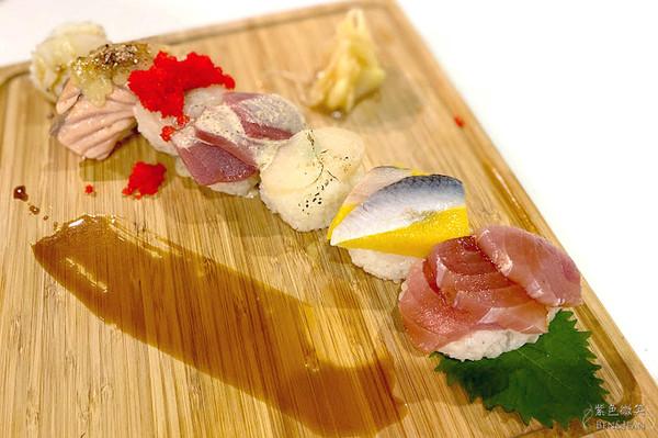 壽司鋪滿生魚片!宜蘭平價日式料理 肥厚小卷Q嫩彈牙超滿足 | ETtod