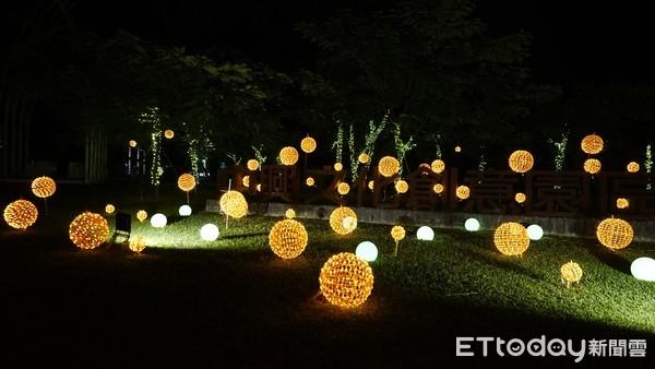 宜蘭新夜景!中興文創園區煙囪光雕秀、金色燈籠光海美到2月底
