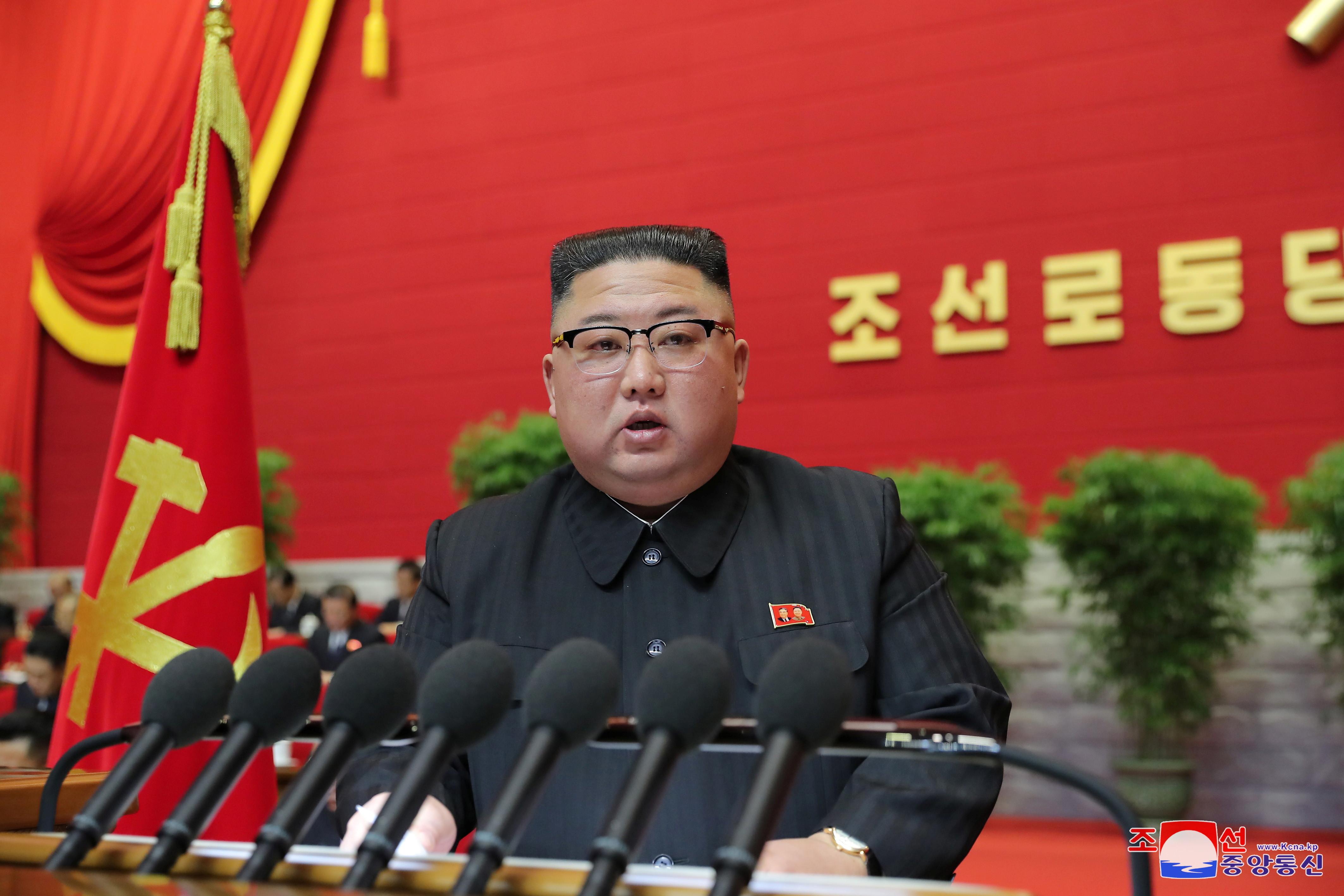 ▲▼金正恩重申強化國防,南韓媒體質疑其提不出新策略。(圖/路透社)