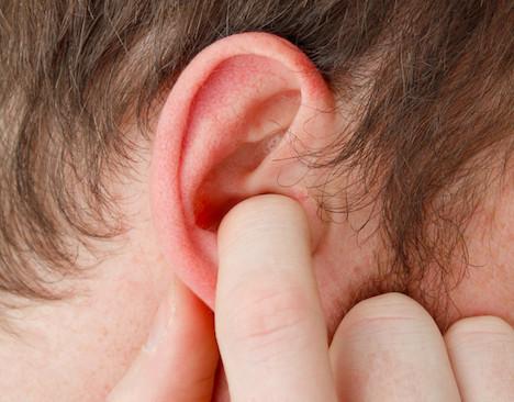 桃園怪怪男摸耳朵「打招呼」!女同事怒告 檢用1理由不起訴
