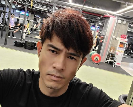 43歲黃玉榮「嚴格168斷食」瘦回高中體重! 數字公開:好輕盈
