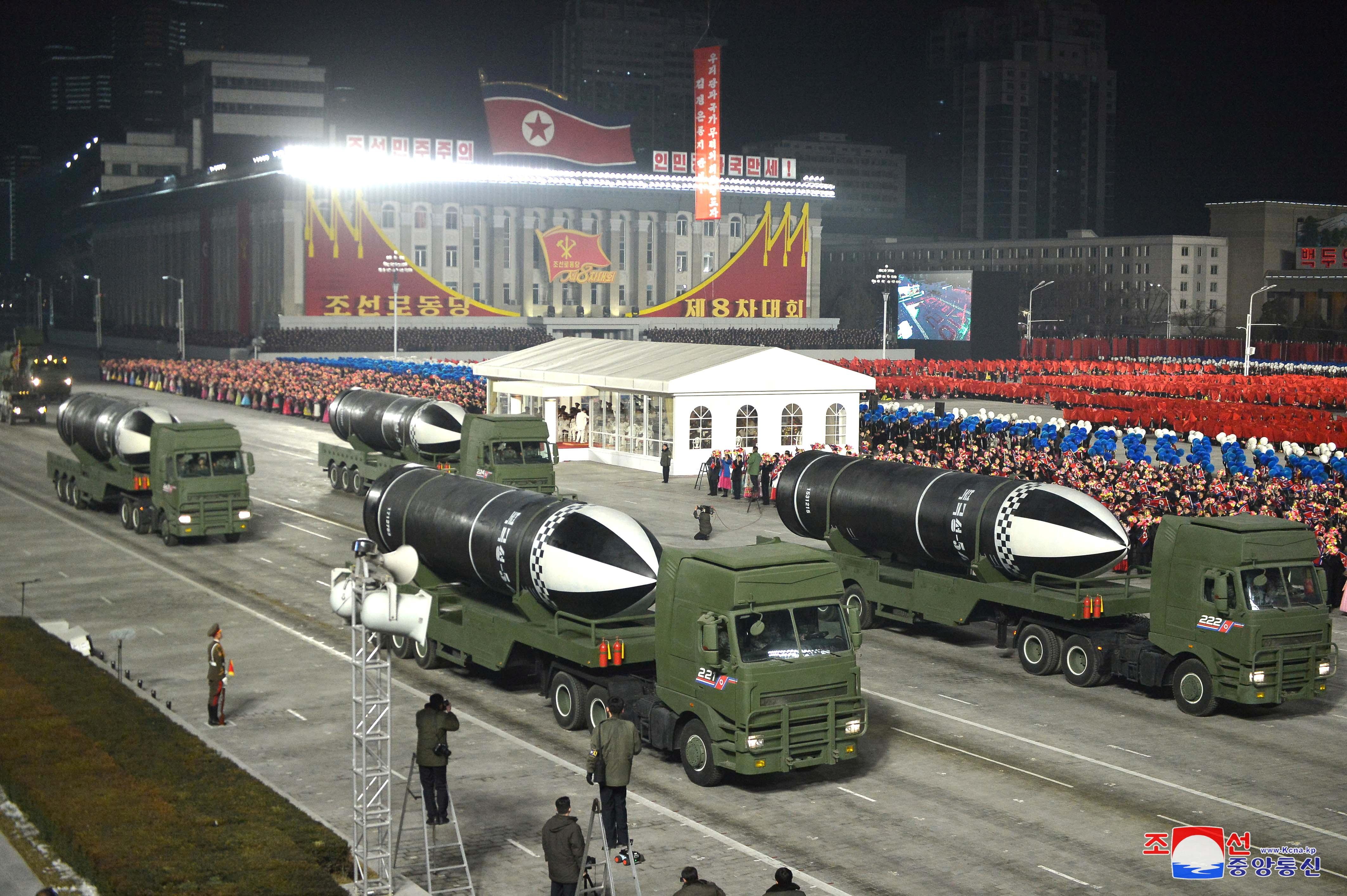 ▲▼潛射彈道飛彈「北極星」系列在閱兵儀式中亮相。(圖/路透社)