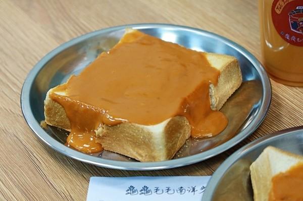 泰奶卡士達醬淋滿厚吐司!台南老屋風南洋餐廳 必點超道地泰奶 | ETto