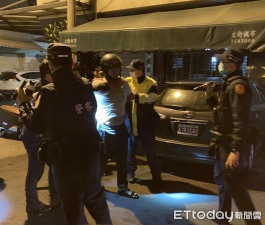 為子女扶養吵!台南男潑汽油揚言「與父母一起死」 警消衝壓制