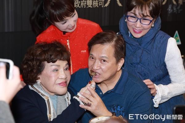 阿姑餵吃鮑魚「他熱得像火爐」!73歲李朝永曝閨房情趣